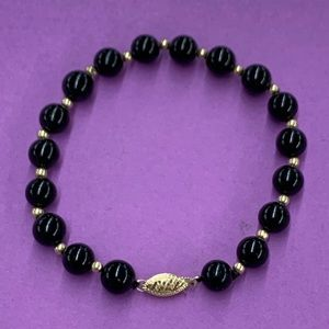 "8"" Onyx and 14K Yellow Gold Bead Bracelet"